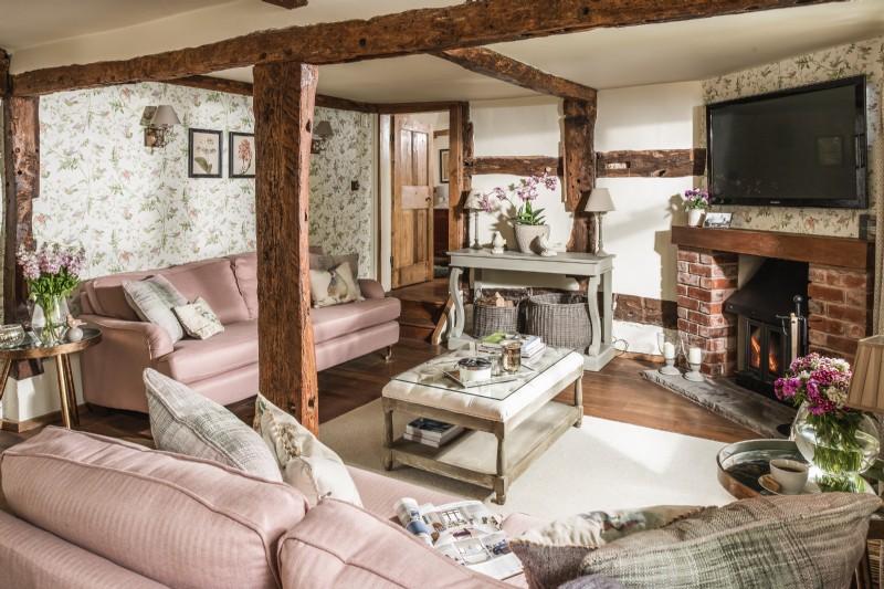 Pollyanna living room