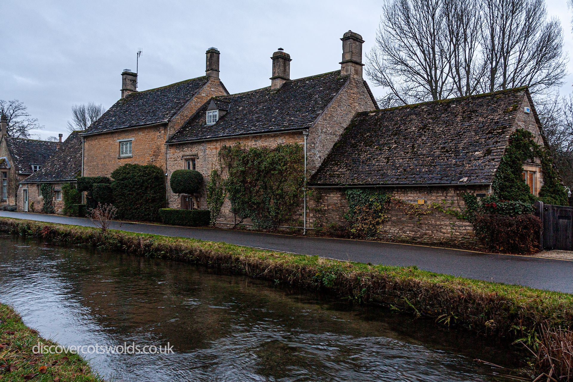Houses alongside the river Eye in Lower Slaughter