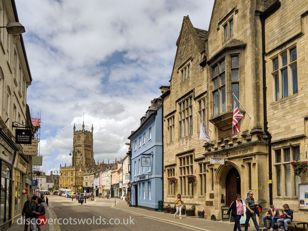 Looking towards Cirencester market square and the church