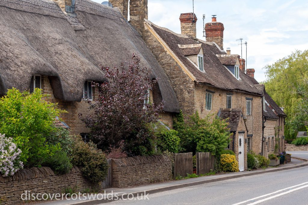 Cotswolds cottages in Long Compton