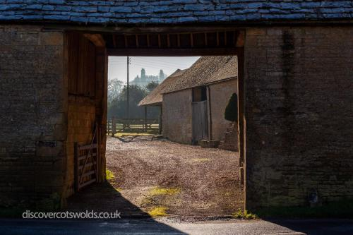Coach house entrance to Broadwell farm